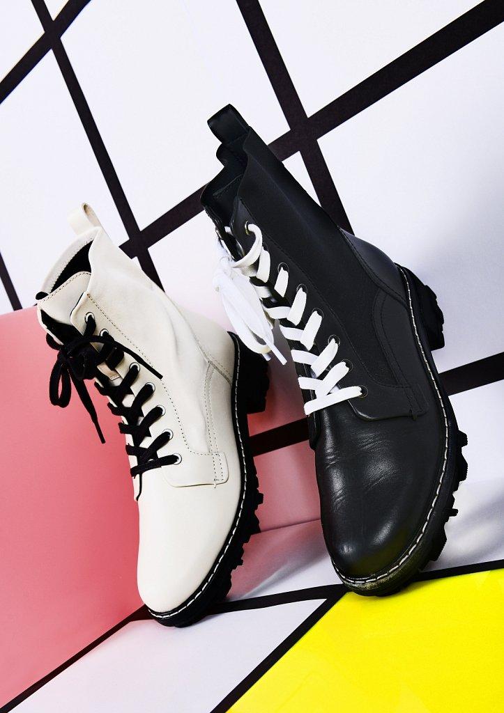WEB-es-mw-rag-and-bone-boots-extra.jpg